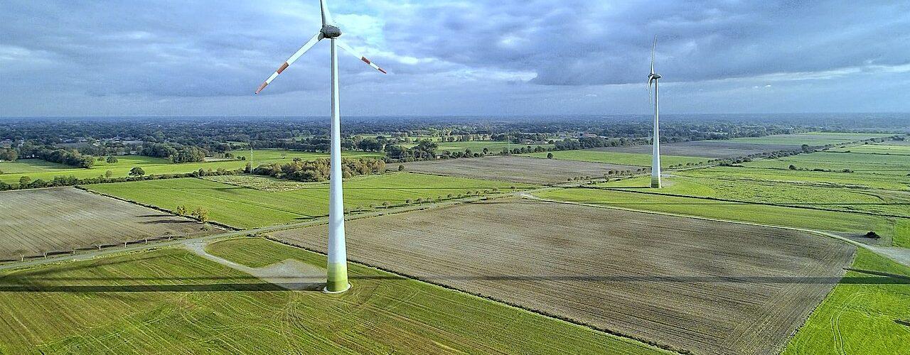 1280px-Wind_Turbine_(184178167)