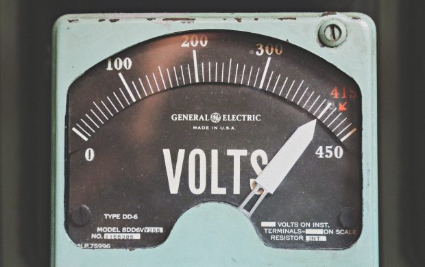 gray GE volt meter at 414